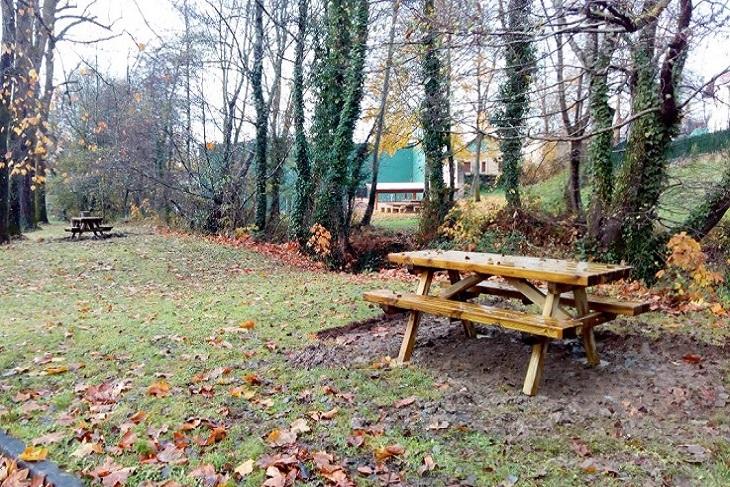 El parketxe de Aizkorri-Aratz renueva su zona de descanso